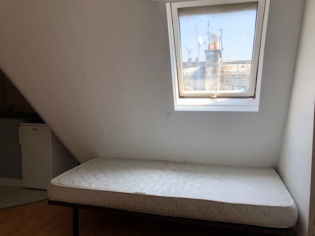 Rental apartment Paris 10ème 490€ CC - Picture 5