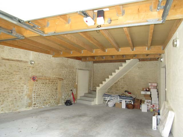 Vente parking Saint-jean-d'angély 66 600€ - Photo 2