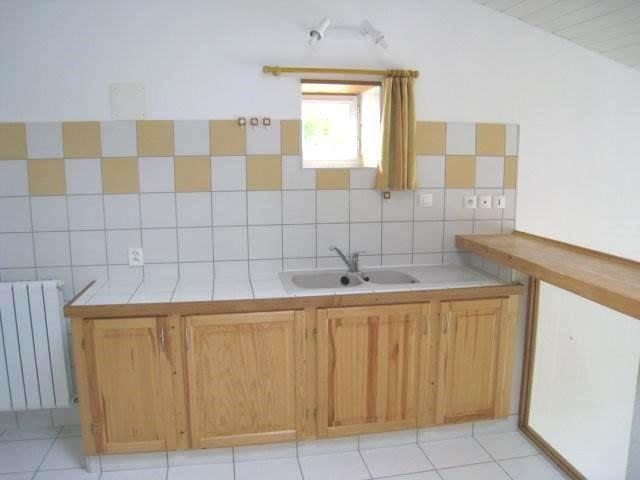 Rental house / villa Burie 550€ CC - Picture 4