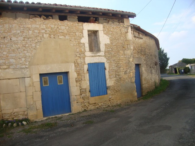 Vente maison / villa Bignay 85500€ - Photo 2