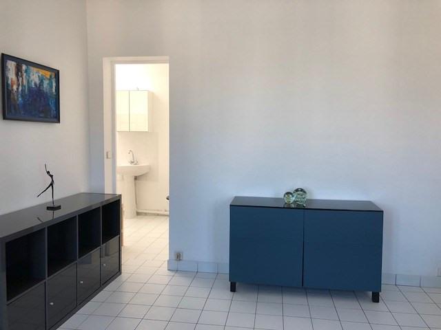 Location appartement Paris 10ème 900€ CC - Photo 5