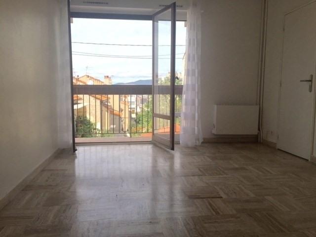 Location appartement Marseille 6ème 455€ CC - Photo 1