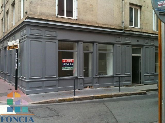 Location local commercial Saint-étienne 633€ CC - Photo 1