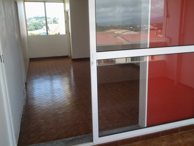 Sale apartment Ducos 115500€ - Picture 3