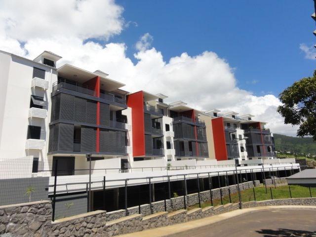 Location appartement St denis 418€ CC - Photo 1