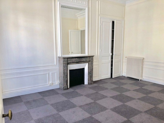 Location bureau Paris 8ème 15 333€ HC - Photo 7