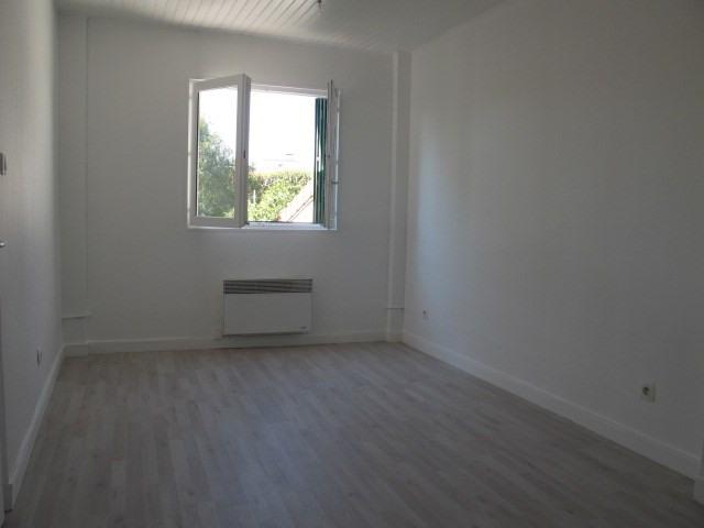 Locação apartamento Arcueil 750€ CC - Fotografia 2