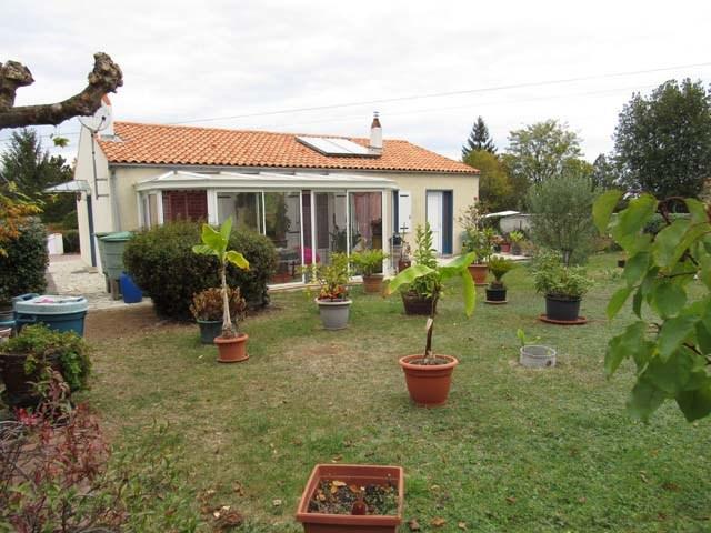 Sale house / villa Mazeray 127500€ - Picture 1
