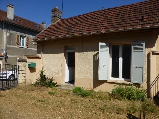 Rental house / villa Bonnieres sur seine 600€ CC - Picture 1