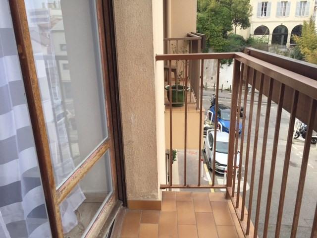 Location appartement Marseille 6ème 520€ CC - Photo 3