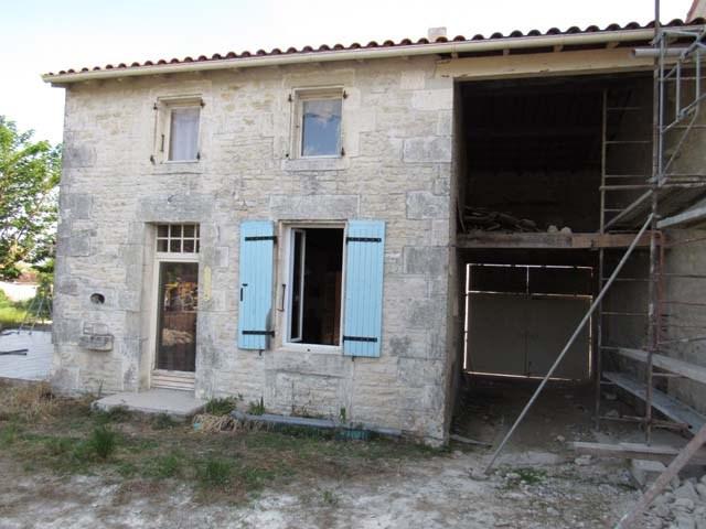 Vente maison / villa Asnières-la-giraud 96300€ - Photo 2