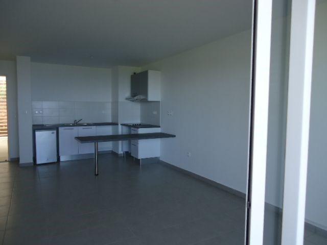 Location appartement St denis 606€ CC - Photo 2