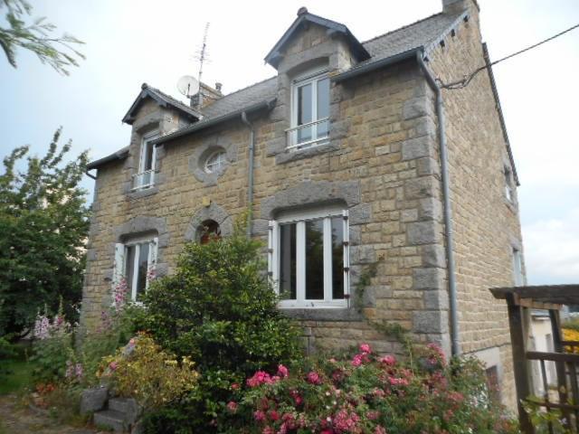 Sale house / villa Plancoet 187950€ - Picture 1