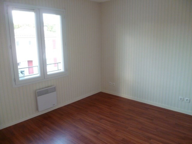 Location maison / villa Floirac 900€cc - Photo 2