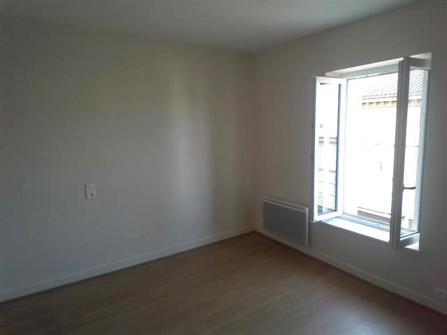 Location appartement St etienne des oullieres 410€ CC - Photo 3
