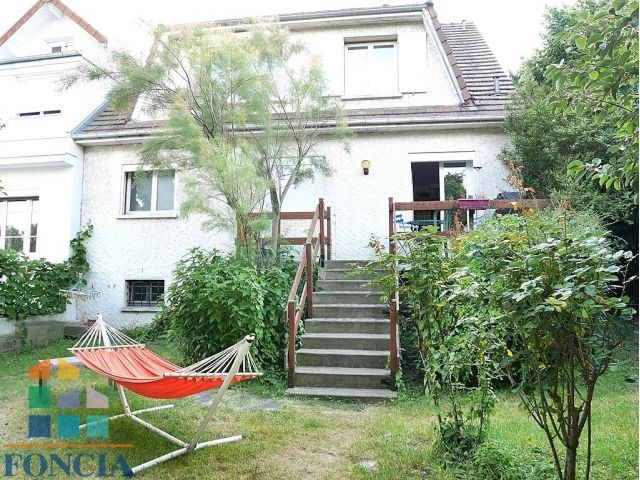 Location maison / villa Suresnes 2 740€ CC - Photo 8