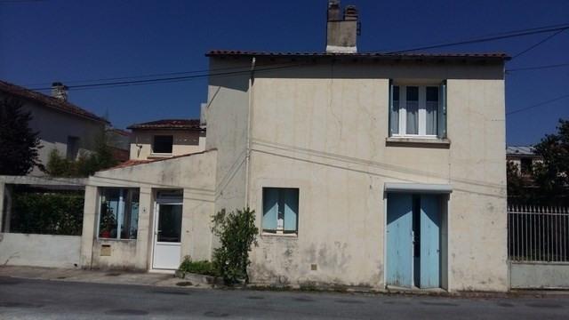 Sale house / villa Saint-jean-d'angély 110000€ - Picture 1