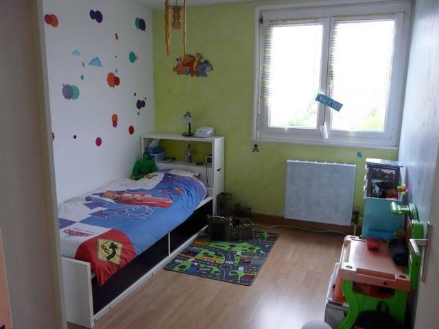 Verkoop  appartement Unieux 75000€ - Foto 5