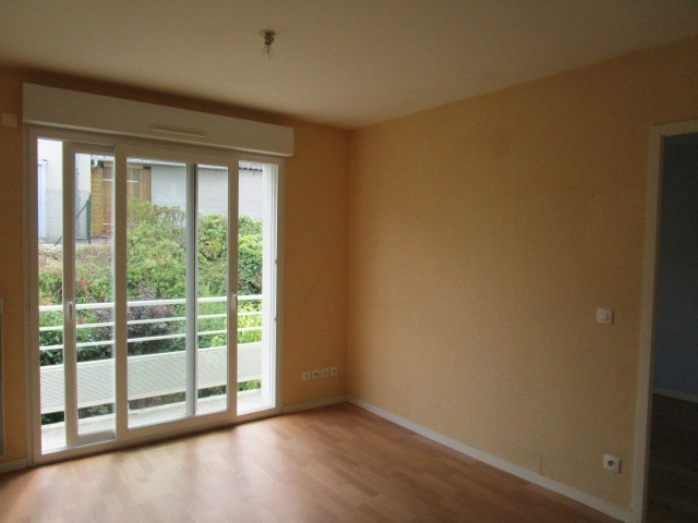 Location appartement St lo 325€ CC - Photo 1