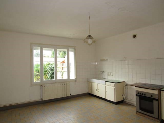Sale house / villa Loulay 106500€ - Picture 3