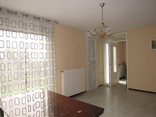 Sale house / villa Saint-jean-d'angély 127800€ - Picture 6
