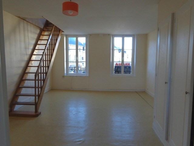 Location appartement Ville 355€ CC - Photo 1