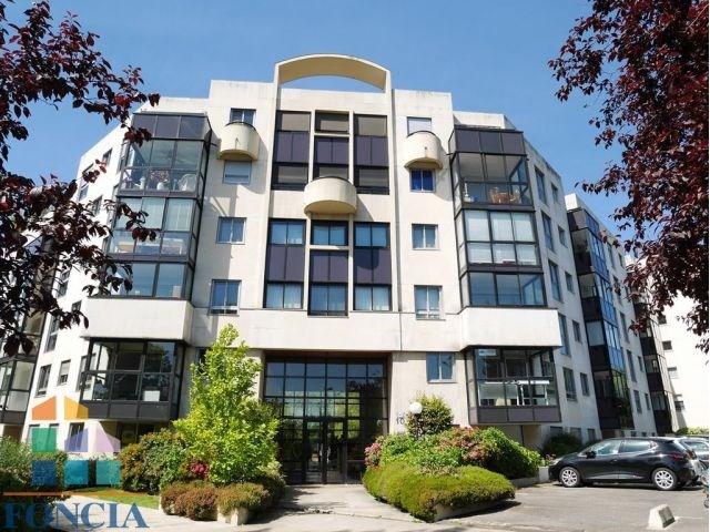 Rental apartment Suresnes 1323€ CC - Picture 8
