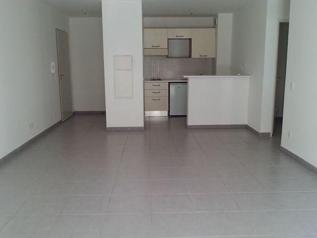 Location appartement Ste clotilde 635€ CC - Photo 2