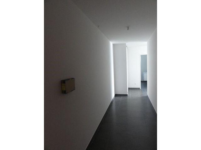 Location appartement St denis 418€ CC - Photo 2
