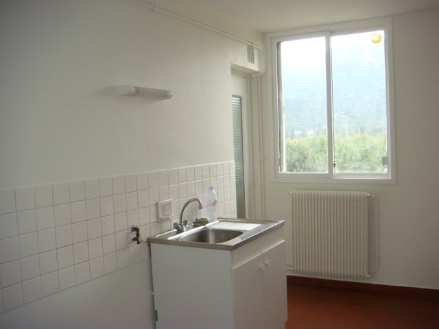 Location appartement Fontaine 580€ CC - Photo 5