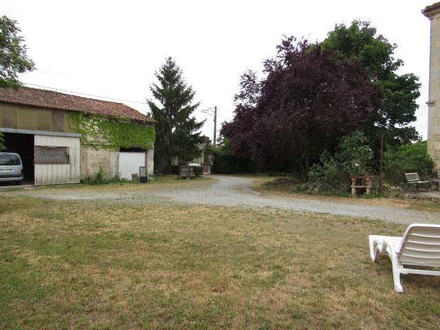 Sale house / villa Loulay 117 150€ - Picture 3