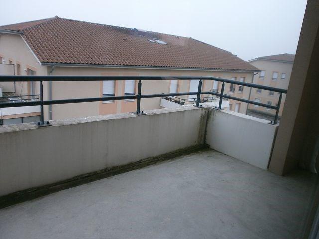 Location appartement Villefontaine 690€ CC - Photo 3