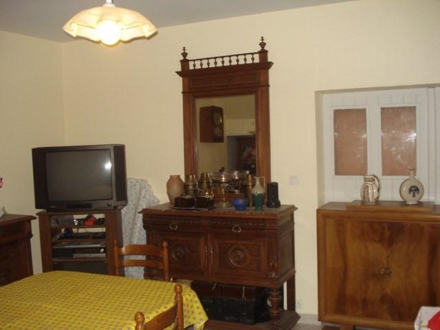Sale house / villa Bords 238500€ - Picture 4