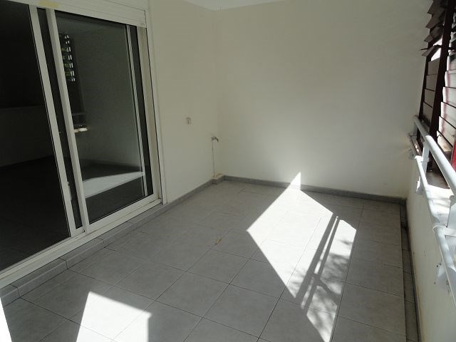 Location appartement St denis 554€ CC - Photo 7