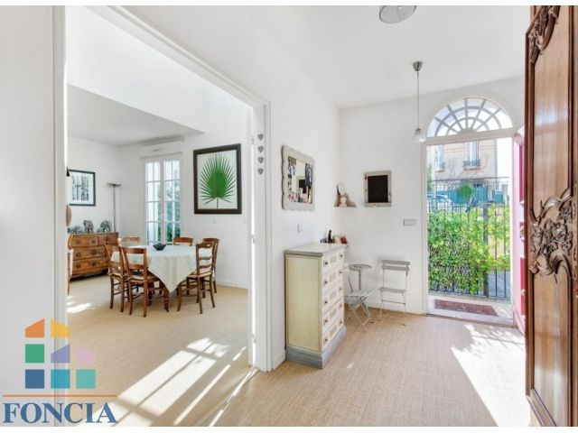 Deluxe sale apartment Suresnes 1 090 000€ - Picture 3