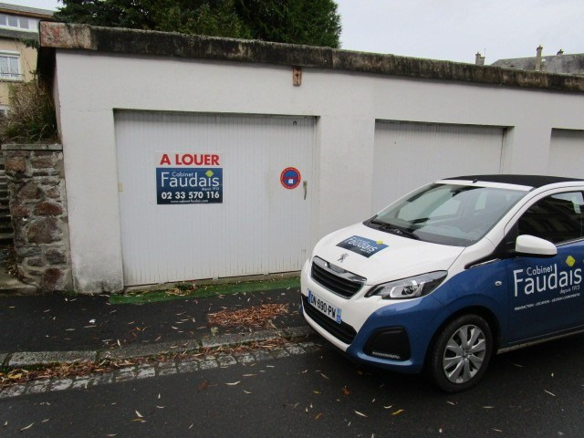 Rental parking spaces St lo 45€ CC - Picture 1