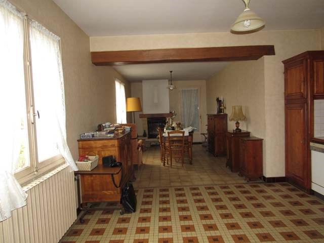 Sale house / villa Saint-jean-d'angély 132750€ - Picture 4