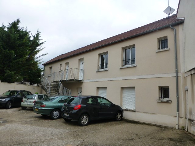 Rental apartment Flins-sur-seine 683€ CC - Picture 2