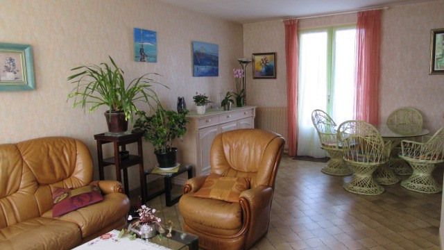 Sale house / villa Saint-jean-d'angély 128 800€ - Picture 5
