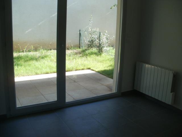 Rental apartment Lyon 8ème 802€ CC - Picture 3