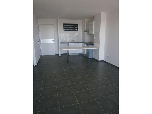Location appartement St denis 557€ CC - Photo 1