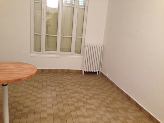 Location appartement Colombes 724€ CC - Photo 1
