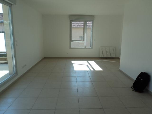 Location appartement Lyon 8ème 1045€ CC - Photo 7