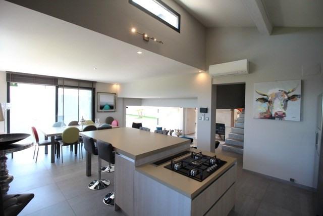 Deluxe sale house / villa Villeneuve les avignon 1090000€ - Picture 1