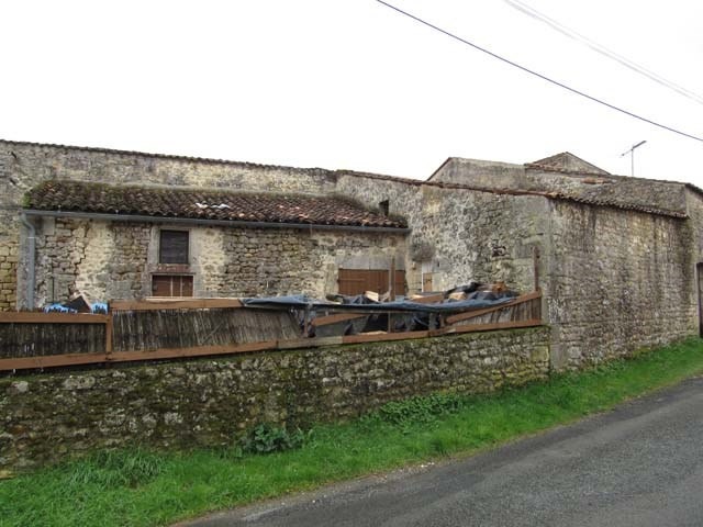 Vente maison / villa Saint-savinien 74 900€ - Photo 3
