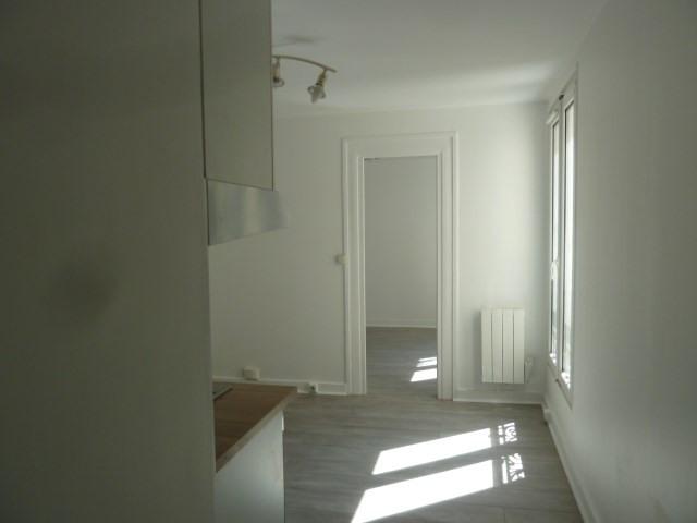 Rental apartment Paris 18ème 720€ CC - Picture 3