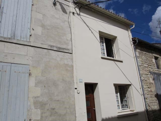 Sale house / villa Saint-jean-d'angély 45300€ - Picture 1