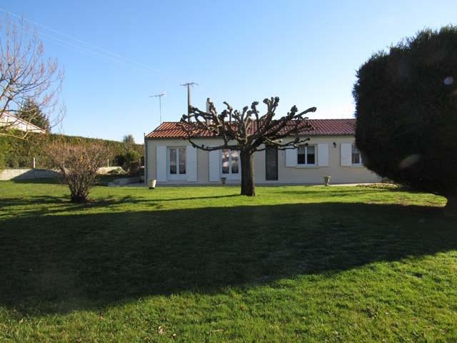 Sale house / villa Poursay-garnaud 169600€ - Picture 2