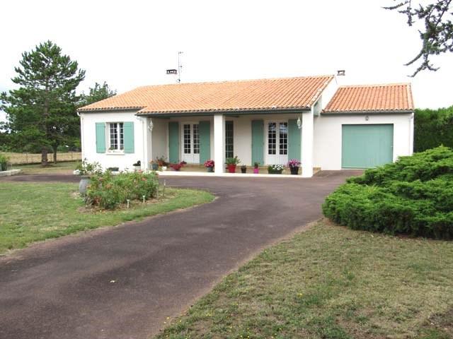 Sale house / villa Saint-jean-d'angély 201400€ - Picture 1