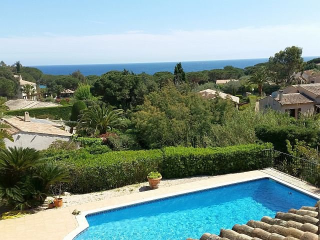 Deluxe sale house / villa Sainte-maxime 1 630 000€ - Picture 1